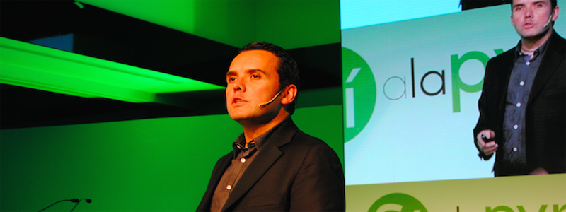 """David Baró, mentalista: """"Para conectar con el cliente hay que entrar en su mente inconsciente"""""""