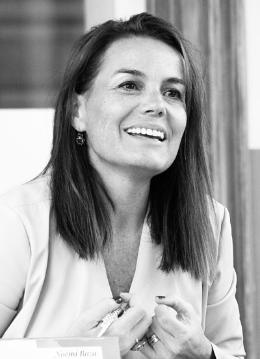 Noemi Boza es licenciada en Comunicación Audiovisual por la Universidad Autónoma de Bellaterra y posgraduada en Comunicación Empresarial en IDEC. Además, es profesora en la Universidad Europea y ponente en eventos vinculados a la Comunicación, Marketing y RRHH.