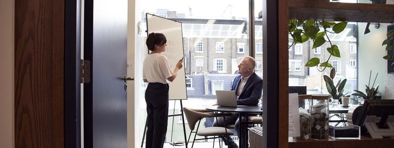 Para 8 de cada 10 CEOs la COVID-19 ha acelerado la transformación digital